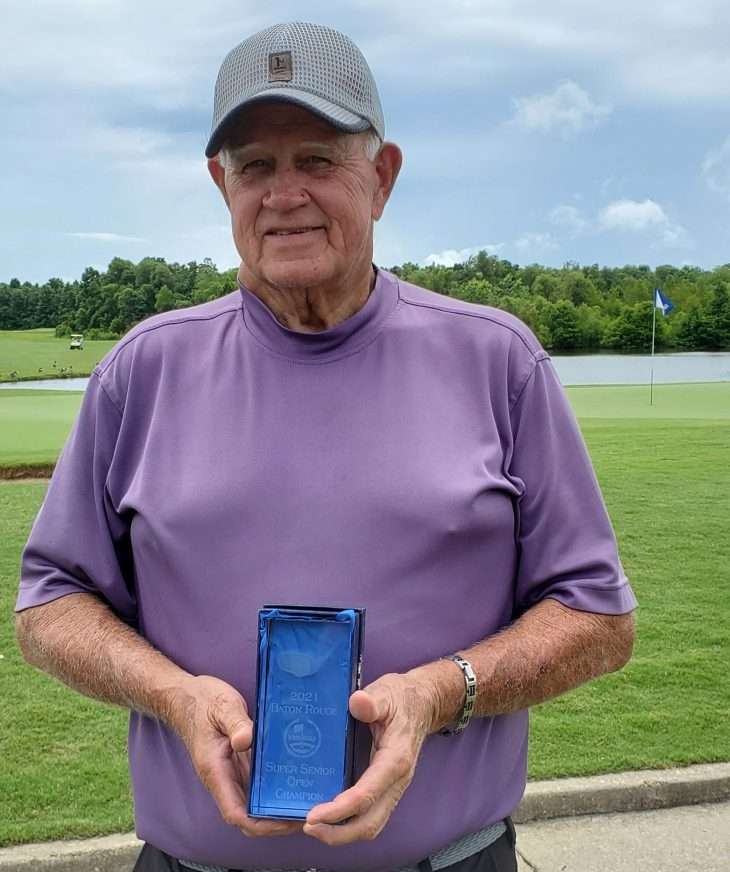Les O'Neal - Super Senior Winner with trophy